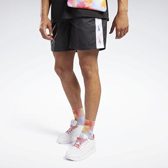 תמונה של Pride Woven Lifestyle Shorts