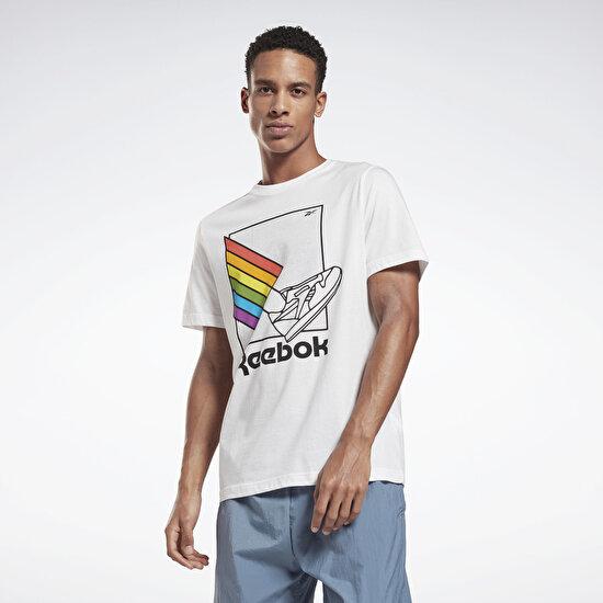 תמונה של Pride Graphic T-Shirt