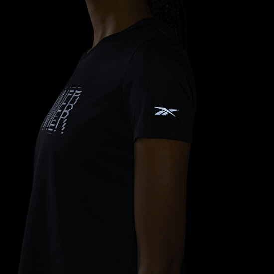 Picture of Run Essentials Short Sleeve Speedwick Graphic T-Shirt