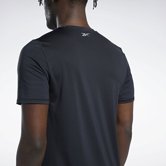 Picture of Running Activchill Graphic T-Shirt